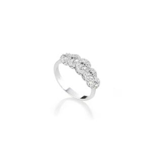 Anello veretta in oro bianco e diamanti