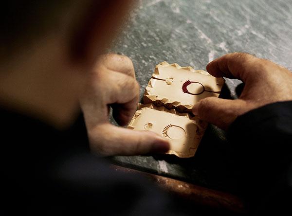 forma anello in oro artigianale cierre gioielli
